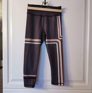 Sweaty Betty reversible cropped leggings